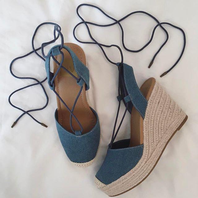 Women S Dv Carissa Closed Toe Espadrille Wedge Sandals