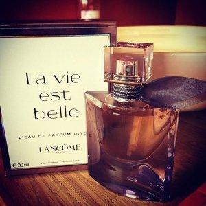 Belle Intense Est La Est Vie Vie La WD9Ye2IEH