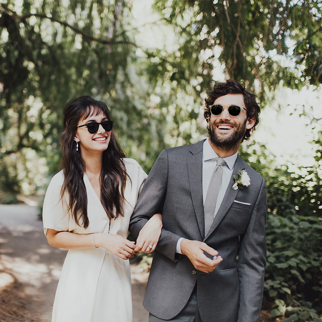 431f9fd8c010 For fall weddings that start in the evening, navy is the perfect groom suit.  In the winter, you can get away with navy's dark color day or night.