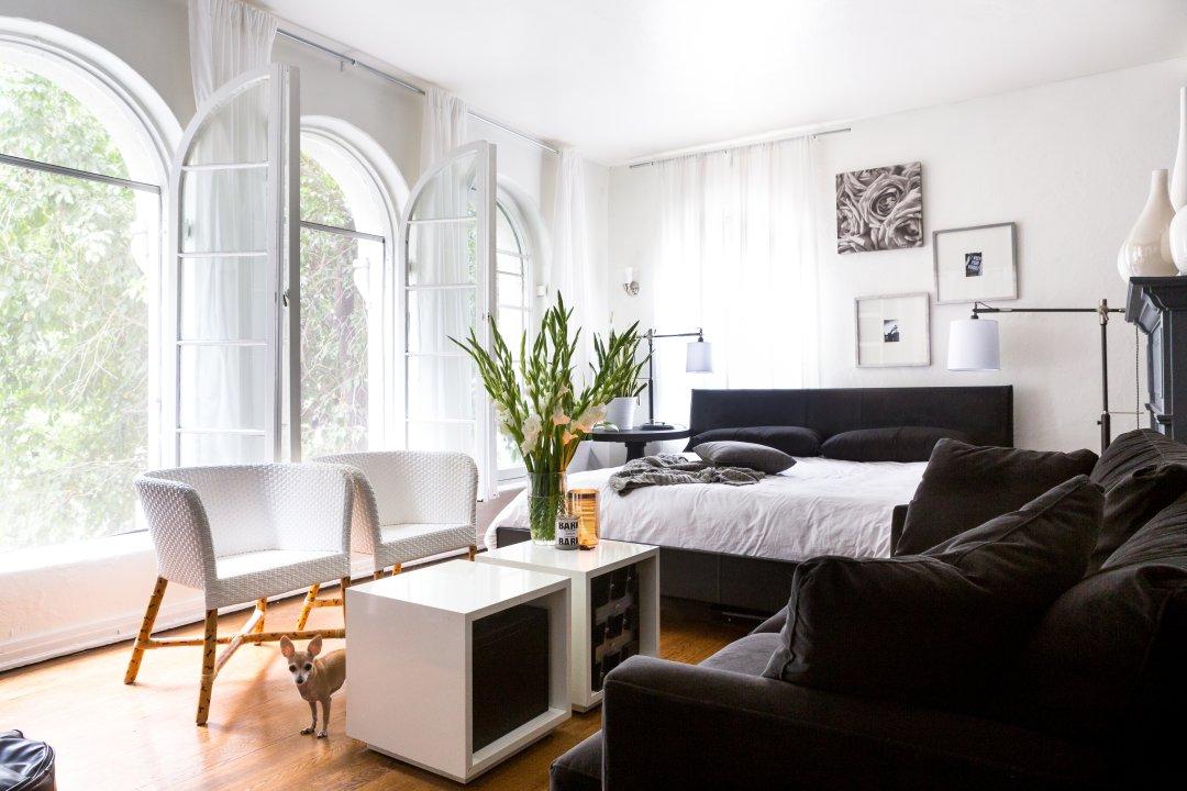 a sleek black & white home decor shopping list   apartment therapy