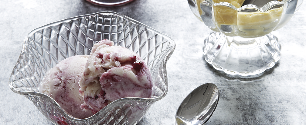 Glass ice cream dishes