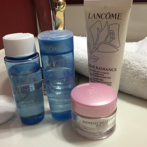 Bi-Facil and Crème Radiance Cleansing and Clarifying Duo by Lancôme #3