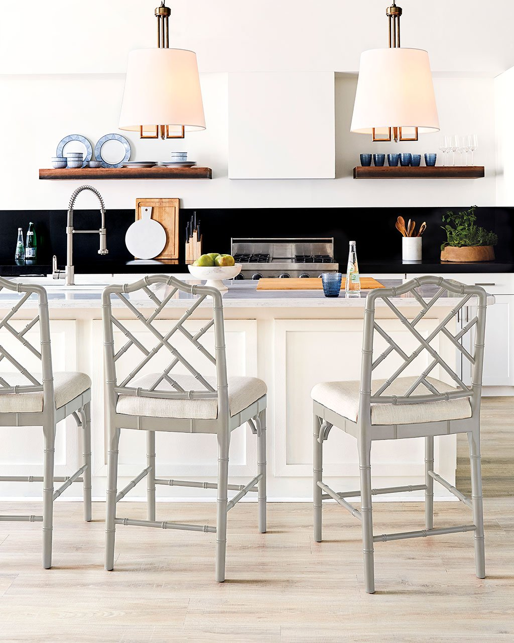 How to Choose the Right Stool Heights for Your Kitchen
