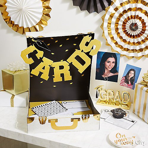 6829cc42ee9 11 Ideas for a Stylish Graduation Party