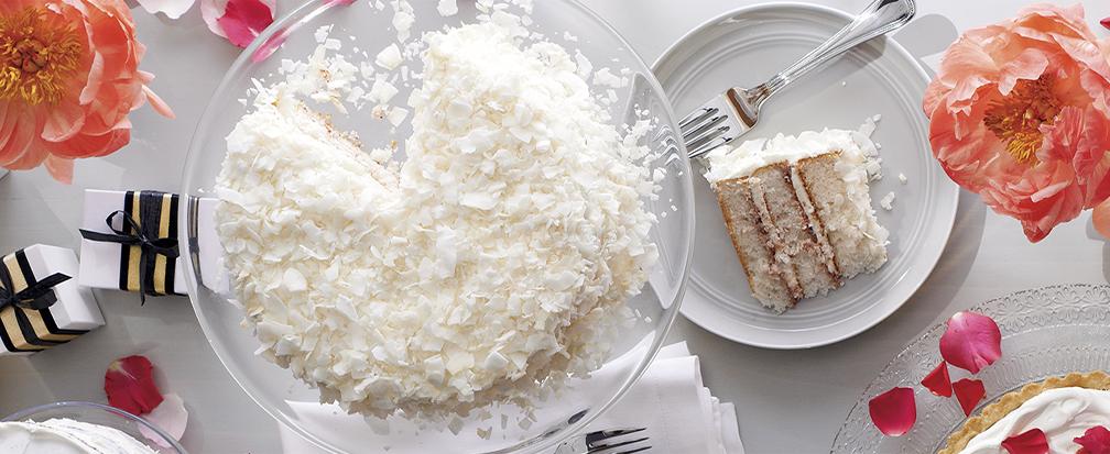 Wedding cake as a table centerpiece