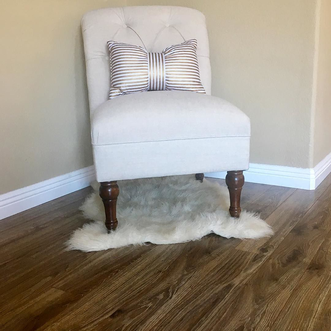 Quincy Basic Slipper Chair: Upholstered Chair Tufted Slipper Linen