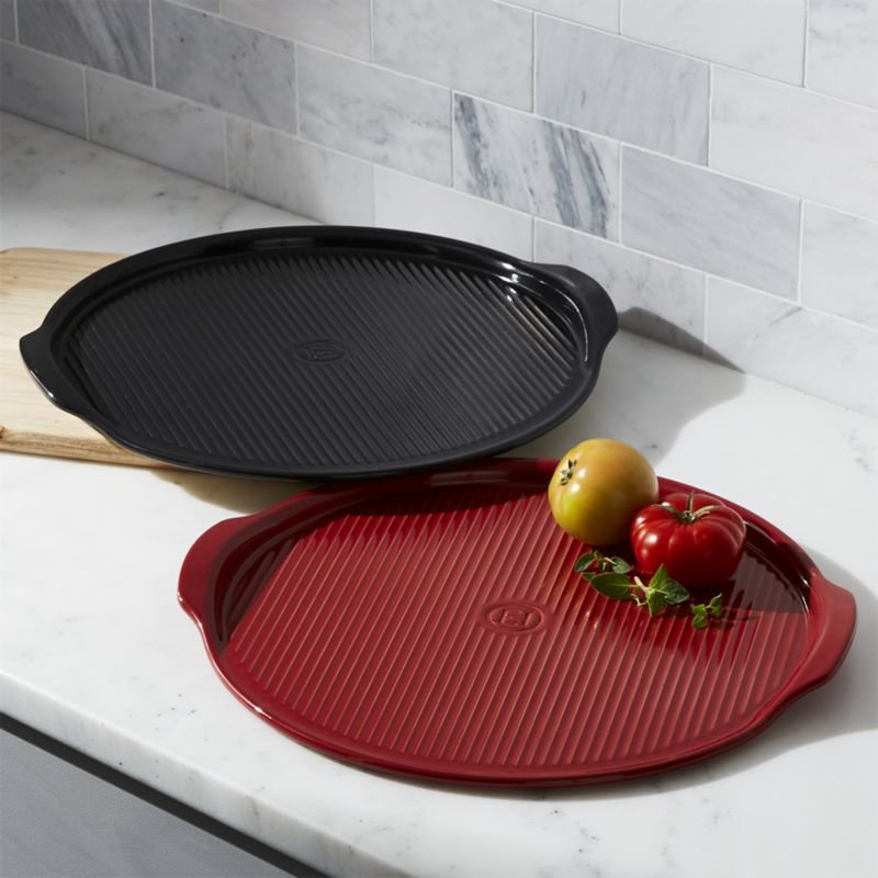 Emile Henry Red and Black Ribbed Pizza Stone