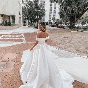 Designer Wedding Dresses Essense Of Australia