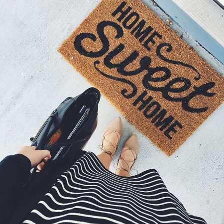instagram post by dearlydyer