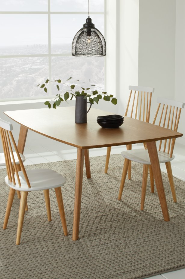 Keep Small Dining Room Decor Simple And Clean