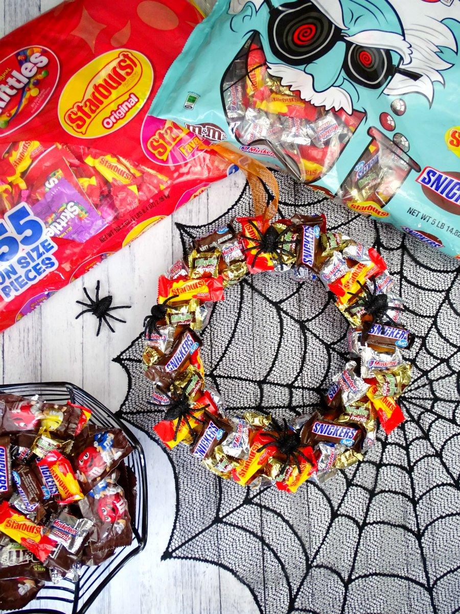 mars halloween mad scientist chocolate favorite variety mix 290 ct sams club - Halloween Candy Wreath