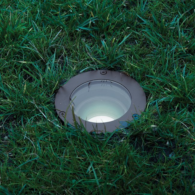 Landscape Lighting Guide | Landscape Lighting Tips at Lumens.com
