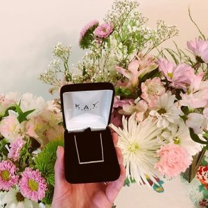 8f9f5d108 Love 😊💐💕 Thank you @brandoncphoto #Kayjewelers #flowers