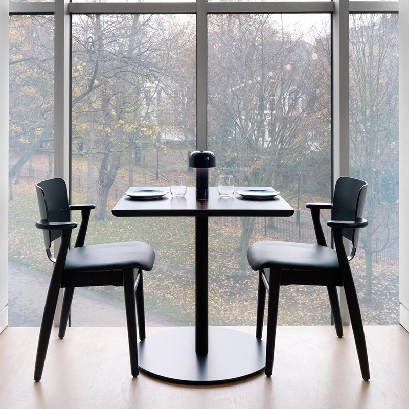 Magnificent How To Choose A Dining Table Shape Size And More Download Free Architecture Designs Scobabritishbridgeorg