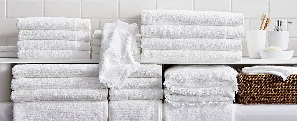 White bath towels, hand towels and washcloths