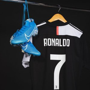 the best attitude 33076 1bd0b Cristiano Ronaldo Soccer Jerseys | SOCCER.COM
