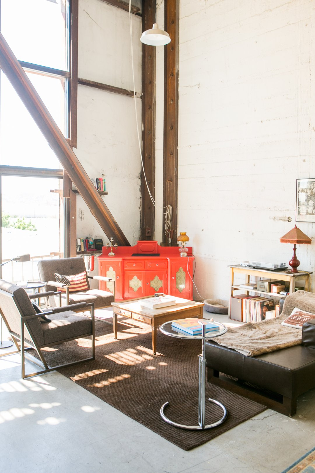 Get An Industrial Style Home By Using Exposed Brick Walls: Get The Look: Industrial, Quirky LA Loft Style