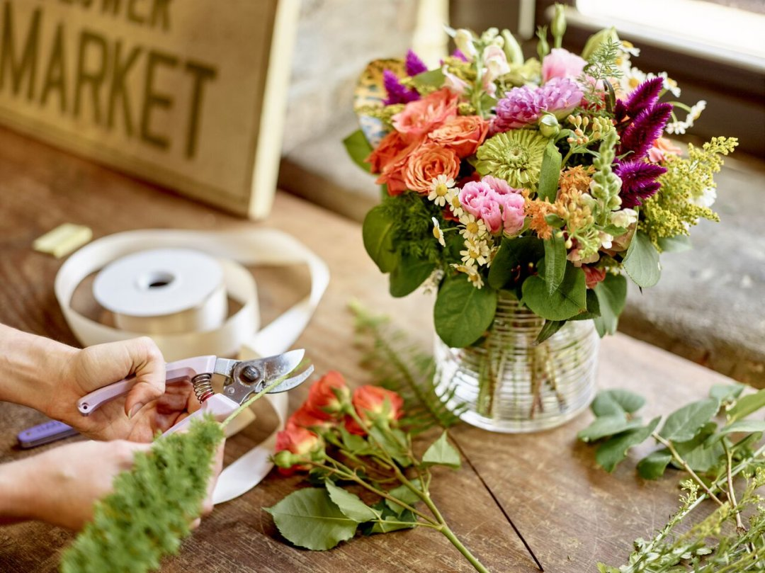 Making flowers last longer crate and barrel blog cutting stem of flower to put into floral arrangement izmirmasajfo Gallery