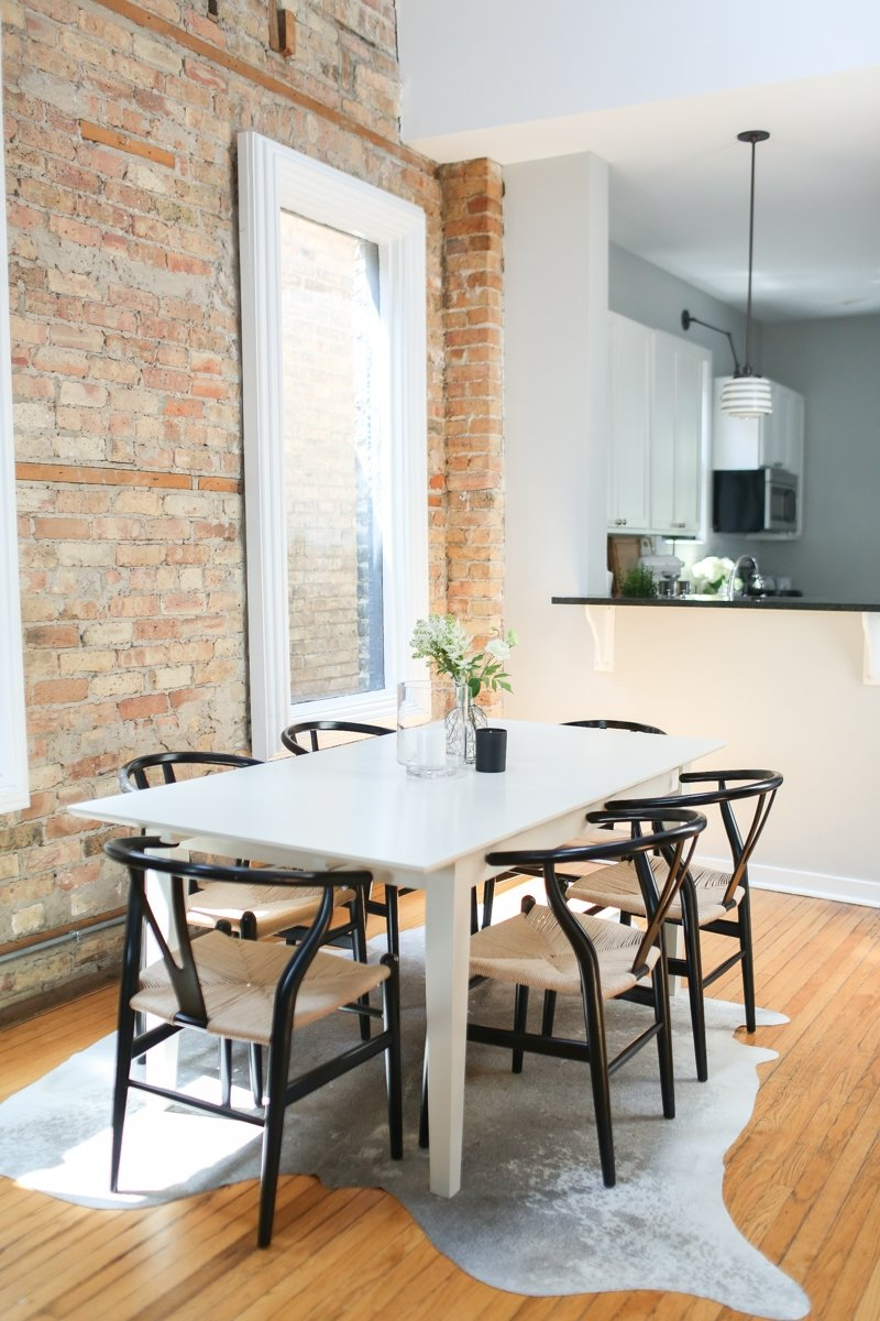 House Tour A Modern Minimal All White Chicago Home Apartment Therapy