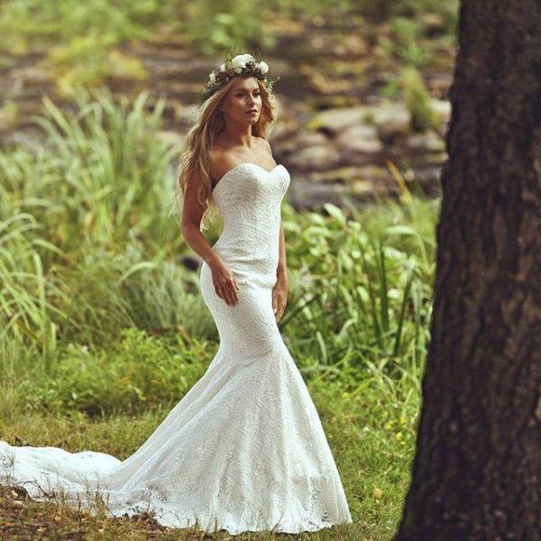 Boho Chic and Romantic Wedding Dresses | Lillian West