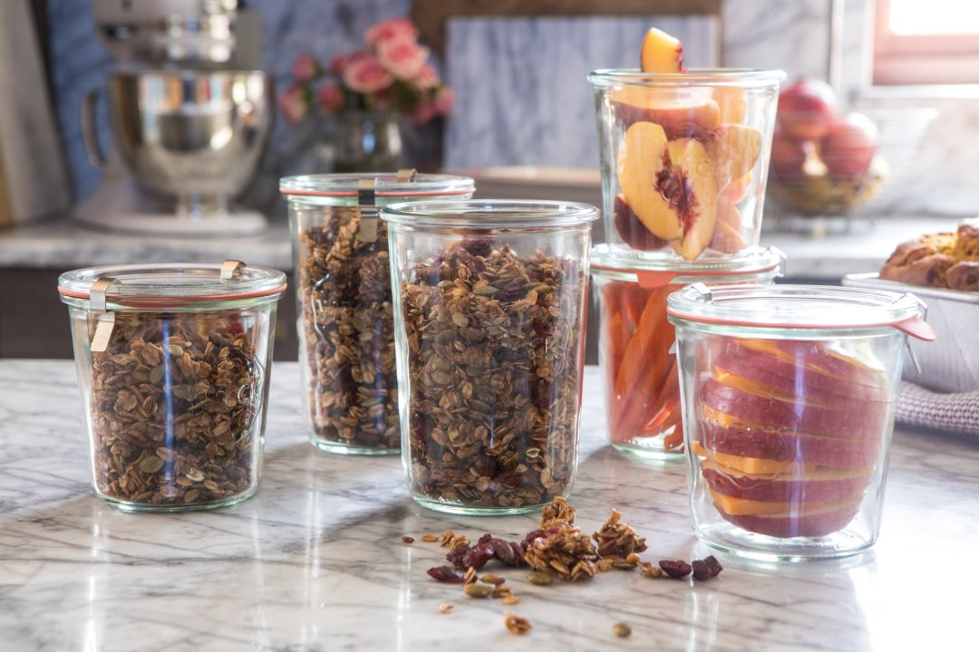 Granola and veggies/fruits in containers