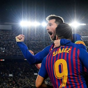 a3122372e66 The new  UCL king  👑⁣⠀  leomessi scores twice to give