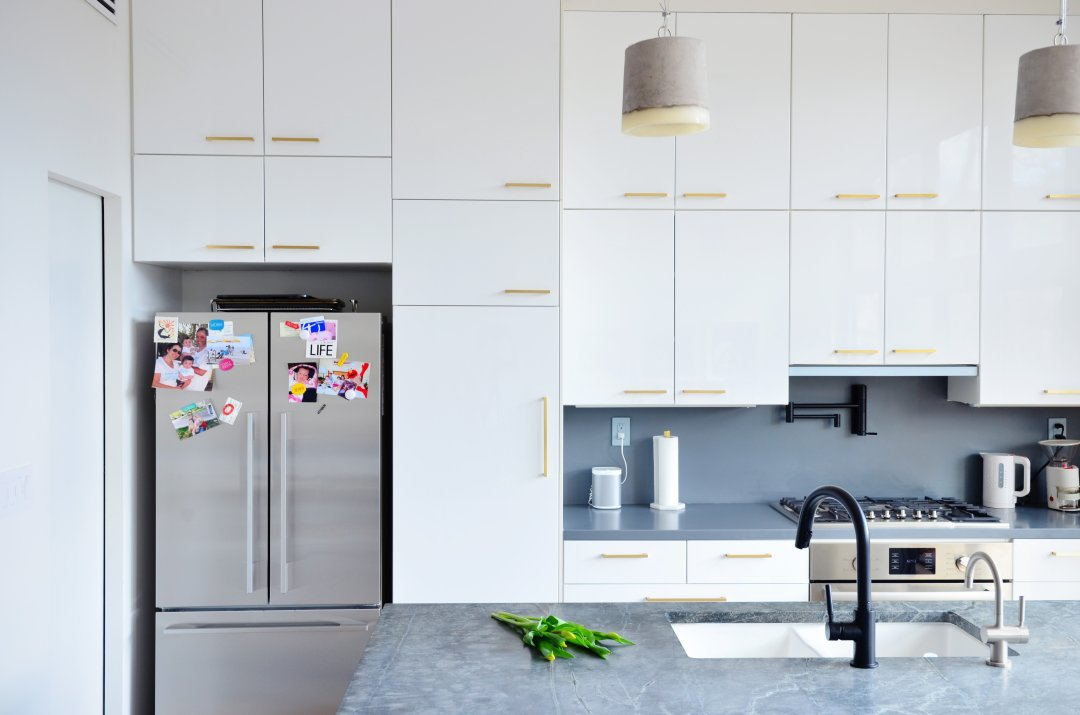 Ikea kitchen cabinets pro design tips for custom look for White gloss kitchen wall cupboards