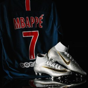 online store 74487 f4e31 Nike Kylian Mbappe Paris Saint-Germain Home Jersey 18/19 ...