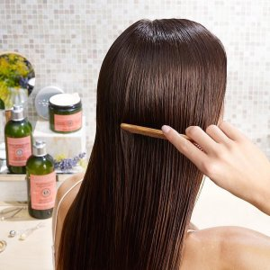 Aromachologie Natural Repairing Shampoo For Dry Hair L Occitane
