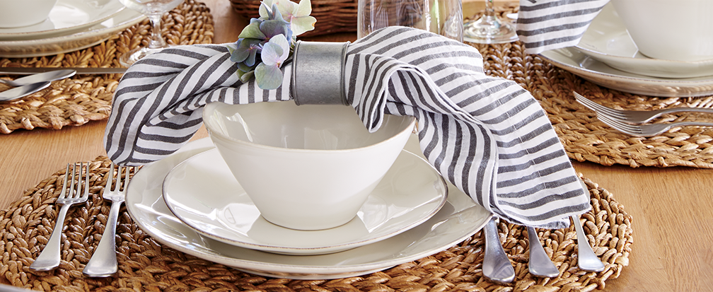 Casual place setting with linen napkin