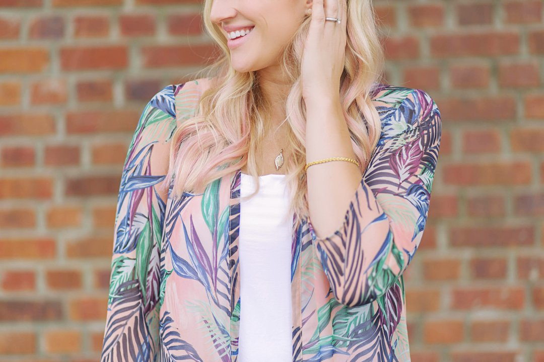The Perfect Mothers Day Gift: Gold Jewelry for Any Outfit by lifestyle blogger Jessica of Happily Hughes