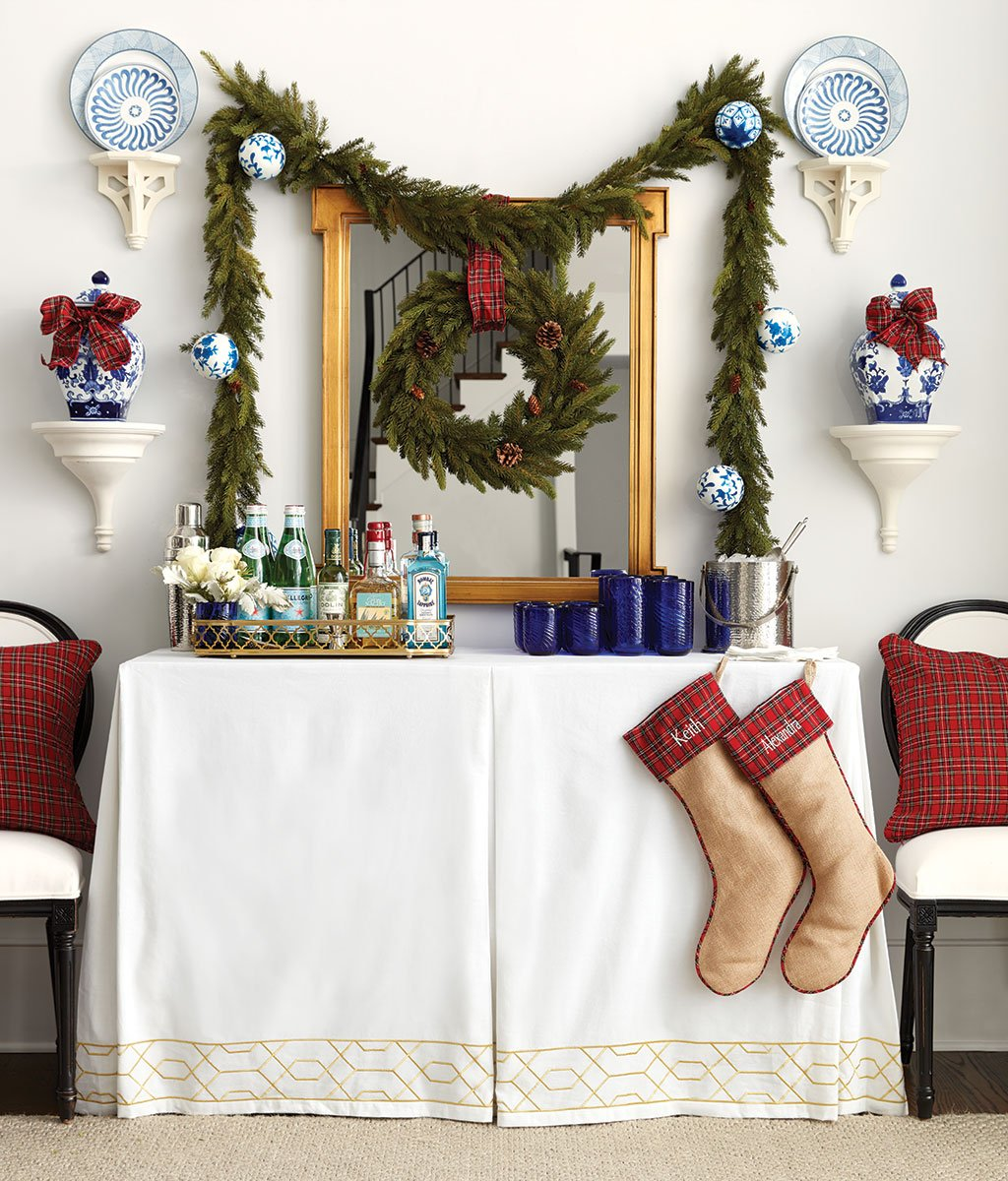 How to Set Up a Bar for Your Holiday Party   How to Decorate