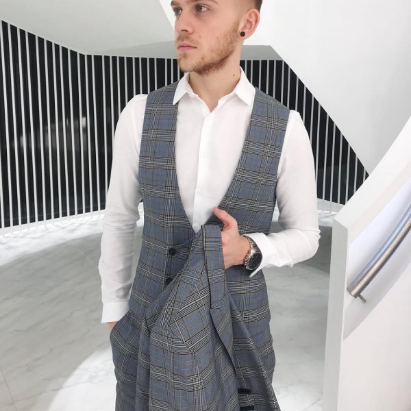 9102687934009c snazzy new three piece suit! Perfect for the Grand National🤘🏼   topmanstyle