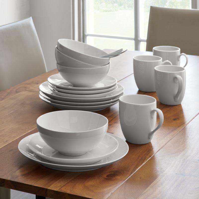 Essential white dinnerware