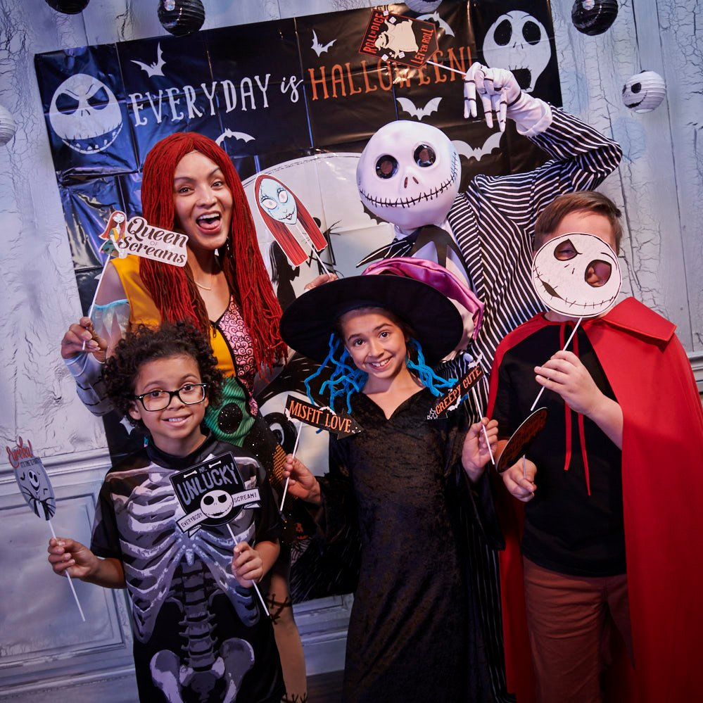 Christmas Halloween Costume Ideas.This Nightmare Before Christmas Party Is Every Fan S Dream