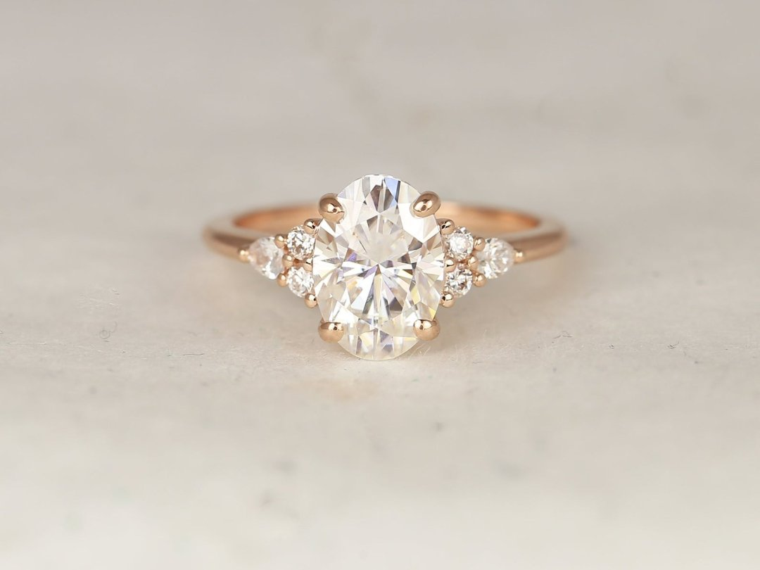 Cindy Oval Diamond Engagement Ring