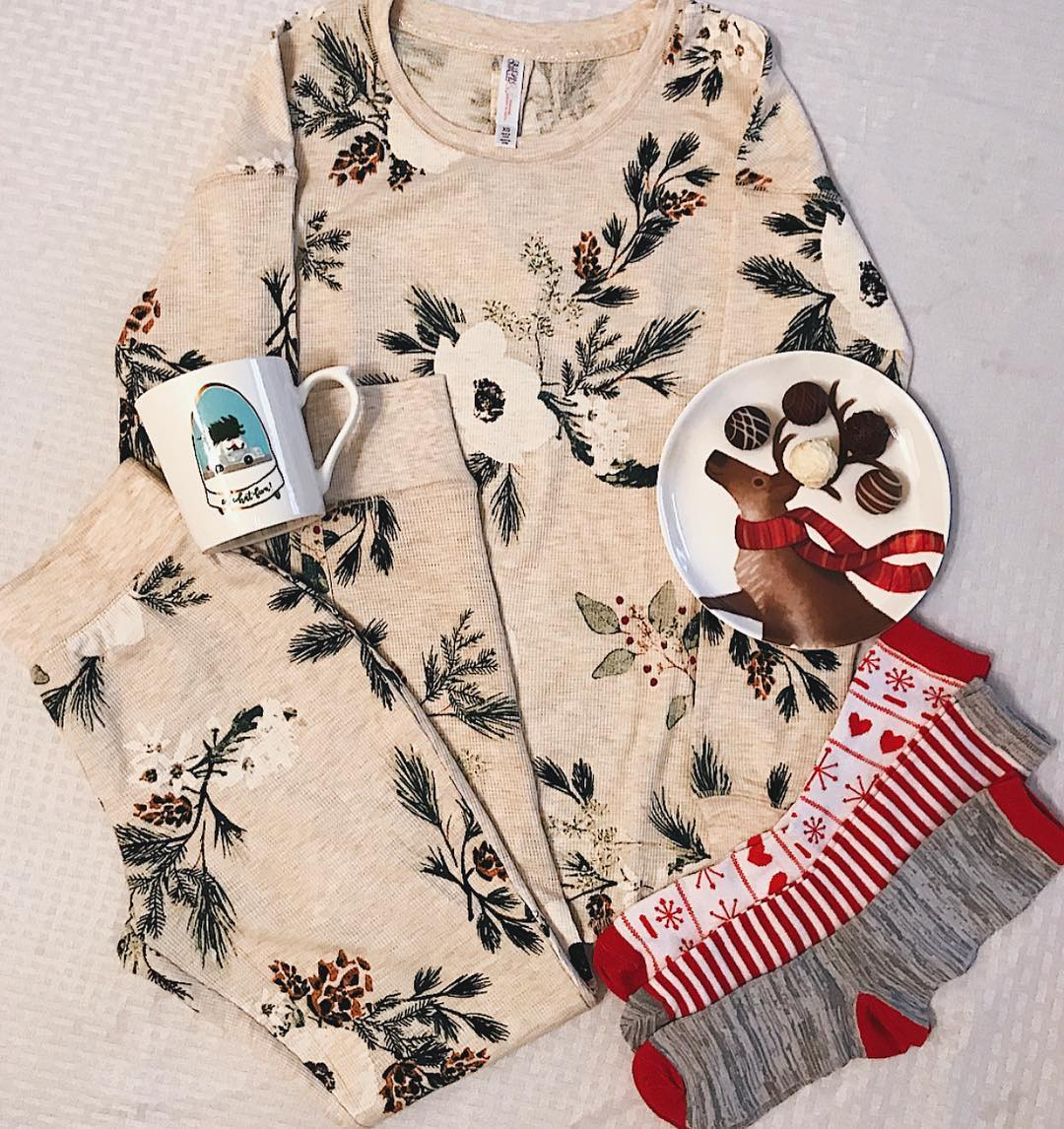 Women s Floral Print Thermal Pajama Set - Gilligan   O Malley Cream ... f02a30a66