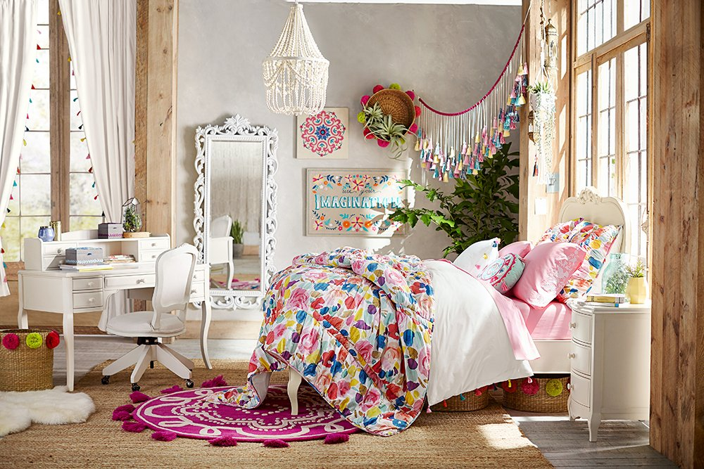lennon and maisy x pbteen pottery barn. Black Bedroom Furniture Sets. Home Design Ideas