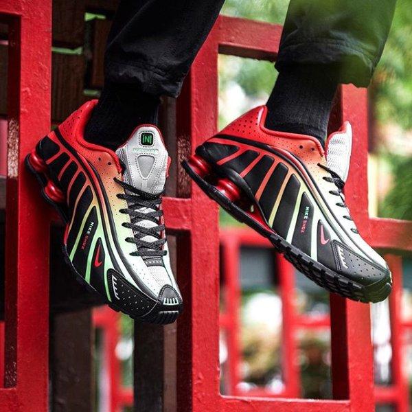 bdadafe4fca Fresh in! @neymarjr en @nikesportswear komen met 2 nieuwe Shox. Durf jij