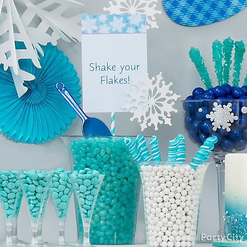 Winter Themed Christmas Decorations: Snowflakes And Snowman Theme Party Ideas