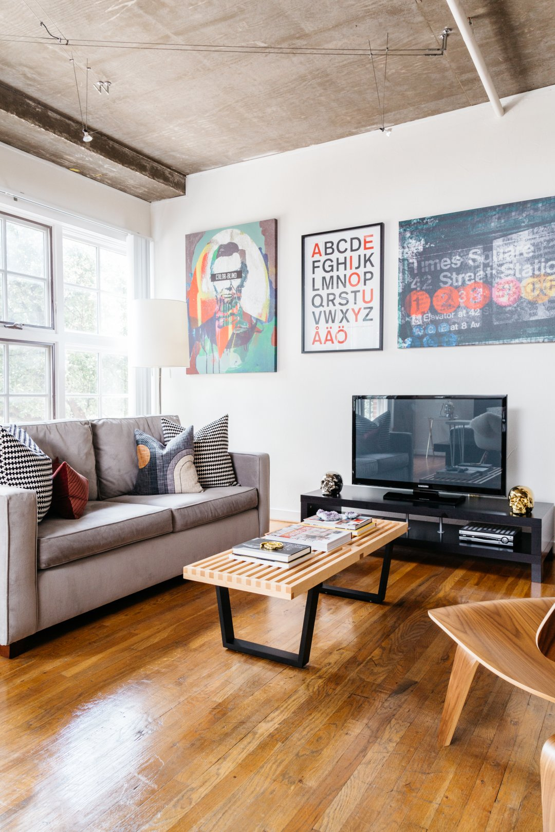 Get The Look Clean Amp Cool Loft Style With A Texas Twist
