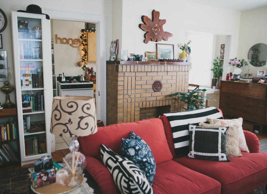"""House Tour: A Tiny """"Bohemian Vintage"""" Style Studio ..."""