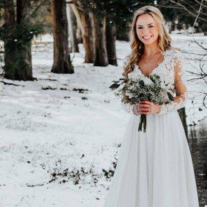 Boho Chic And Romantic Wedding Dresses