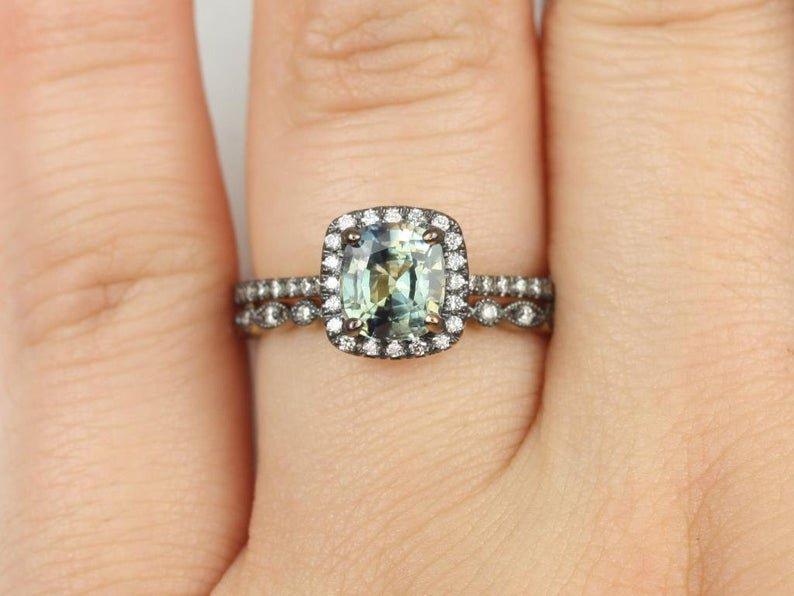 Chameleon Sapphire Catalina Gwen Ring on Hand