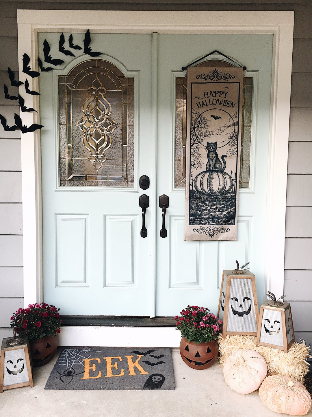 Simple and Rustic Lowes Halloween Decor This Bliss Life