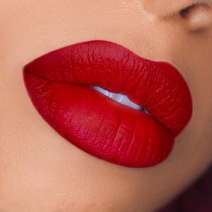 💃🏽💃🏽💃🏽💃🏽💃🏽 - - Isn't this the perfect Christmas red lipstick? 😍 - - USED PRODUCTS - @morphebrushes Liquid Lipstick 'Morphe' - -  #morphe #morphebrushes #morphegirl  #lips #instabeauty #morphebabe #hudabeauty #cultbeauty #makeup #mua #makeupartist  #bbdaretoshare #makeuplover #instamakeup #makegirlz #vegas_nay #fiercesociety #beauty #makeupartistsworldwide #featuremuas #featuring_mua #instabeauty #lipart #wakeupandmakeup #instamakeup #shimycatsmua  #mua_underdogs #inssta_makeup #makeupartist #motd  #fotd #dutchblogger
