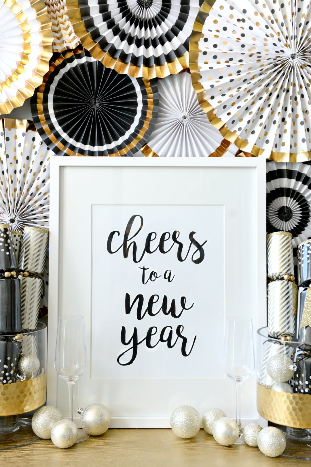 How to transition christmas decor to new years hello for Home decorations for new year