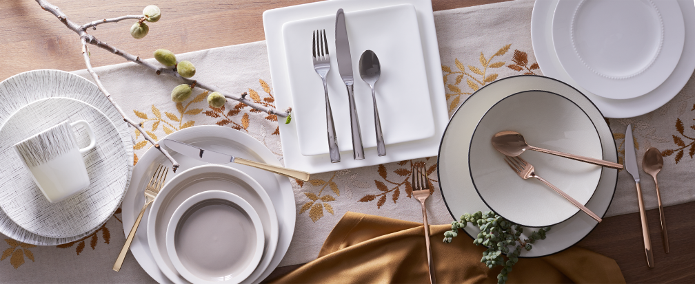 5 Different Dinnerware Collections for Christmas