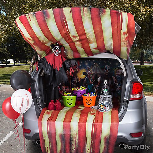 12 Trunk Or Treat Ideas That Rev Up Halloween Fun Party City