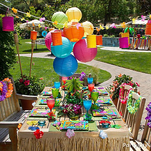 a422b33173d1 Idea 10: Create a tropical oasis at your table with bright decorations